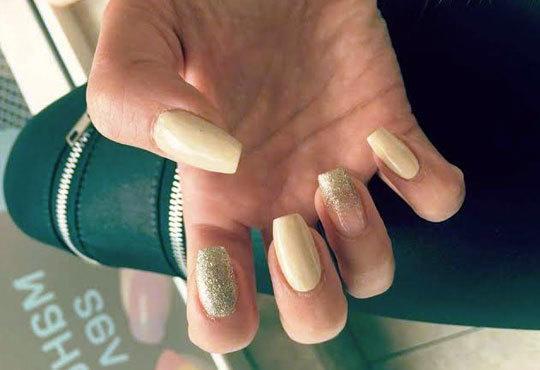 Подарете си ново бижу за красиви ръце! Маникюр с гел лак Bluesky, 2 декорации с камъчета или ваденки от студио Ева - Снимка 6