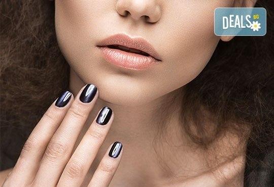 Подарете си ново бижу за красиви ръце! Маникюр с гел лак Bluesky, 2 декорации с камъчета или ваденки от студио Ева - Снимка 2