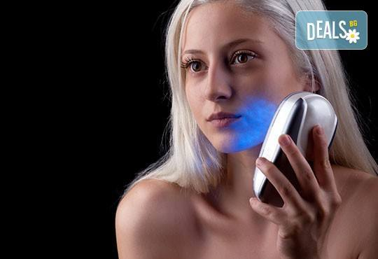 1 или 10 процедури светлинна терапия за пермахване на акне и белезите от него и бонус в студио за красота Голд Бюти! - Снимка 2