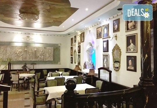 Нова година в Белград! 3 нощувки, 3 закуски в Hotel Queens Astoria Design 4*, транспорт от Бургас и водач от Evelin R - Снимка 8