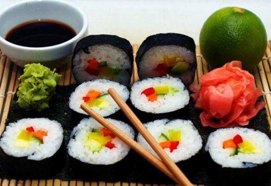 Вземете суши сет от 42 разнообразни хапки Футомаки, Урамаки и Хасомаки от Club Gramophone - Sushi Zone! - Снимка 2