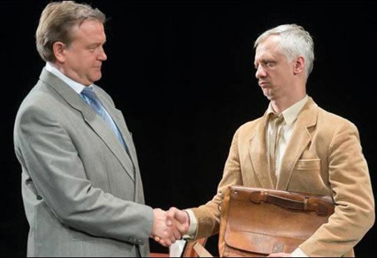 Гледайте великолепните Георги Стайков и Иван Бърнев в Кредитът на 29.11. от 19ч., Театър Сълза и смях Открита сцена - Снимка 2