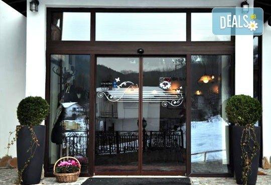 Спа и релакс в хотел Фея 3*, к.к. Чифлик! 2 нощувки със закуски и вечери, терапия за лице за Нея и бутилка вино за Него - Снимка 19