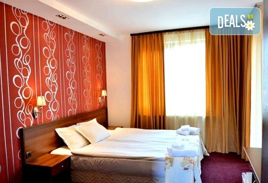 Почивка в Банско през есента! 2 нощувки със закуски и вечери в хотел Ротманс 3*! - Снимка 5