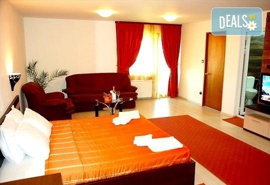 Почивка в Банско през есента! 2 нощувки със закуски и вечери в хотел Ротманс 3*! - Снимка 4