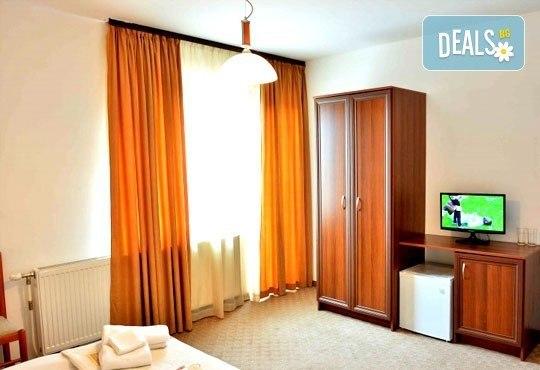 Почивка в Банско през есента! 2 нощувки със закуски и вечери в хотел Ротманс 3*! - Снимка 7