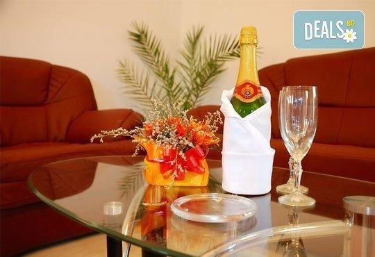 Почивка в Банско през есента! 2 нощувки със закуски и вечери в хотел Ротманс 3*! - Снимка 9