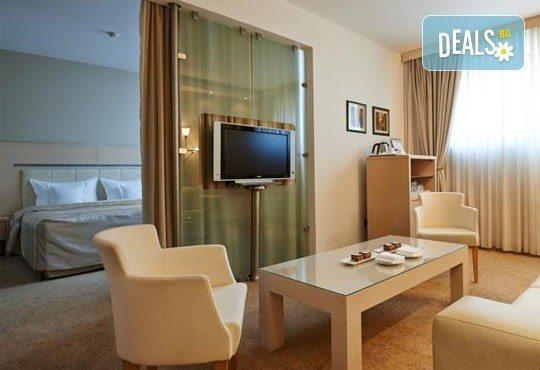 Посрещнете Нова година в Сърбия! 2 нощувки със закуски в IN Hotel 4*, Белград, възможност за транспорт от Дари Травел - Снимка 4