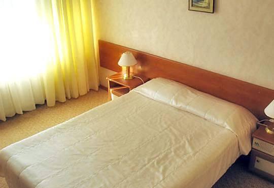 Почивка през декември в Пампорово! 2 нощувки, 2 закуски в хотелАлкочлар Гранд Мургавец4* и дете до 11 години безплатно - Снимка 5