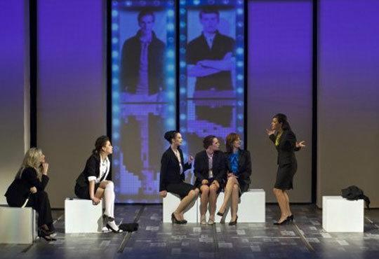 Гледайте Силвия Петкова, Лора Мутишева и други в Тирамису в Театър София на 16.12, 19ч! - Снимка 5