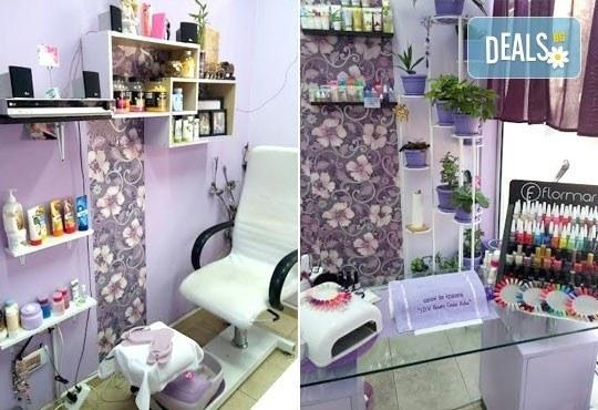 Терапия за крака със свещ с аромат на маракуя, пъпеш, мимоза, ванилия, портокал и кокос в салон J.D.V Beauty Center Relax! - Снимка 14