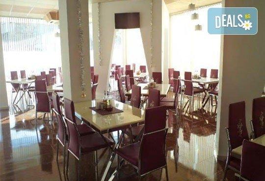 Релаксирайте пълноценно в Хотел Виа Лакус 3*, Сапарева баня! 1 нощувка със закуска и вечеря, СПА зона с минерален басейн - Снимка 8