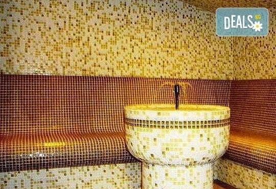 Релаксирайте пълноценно в Хотел Виа Лакус 3*, Сапарева баня! 1 нощувка със закуска и вечеря, СПА зона с минерален басейн - Снимка 11
