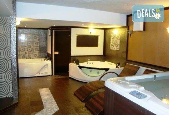 Релаксирайте пълноценно в Хотел Виа Лакус 3*, Сапарева баня! 1 нощувка със закуска и вечеря, СПА зона с минерален басейн - Снимка 16