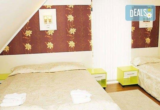 Релаксирайте пълноценно в Хотел Виа Лакус 3*, Сапарева баня! 1 нощувка със закуска и вечеря, СПА зона с минерален басейн - Снимка 18