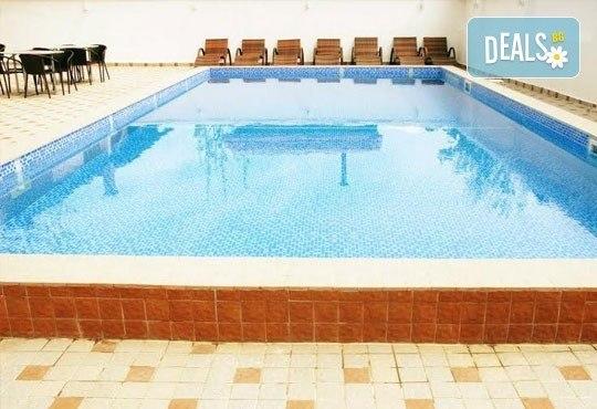 Релаксирайте пълноценно в Хотел Виа Лакус 3*, Сапарева баня! 1 нощувка със закуска и вечеря, СПА зона с минерален басейн - Снимка 13