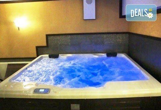 Релаксирайте пълноценно в Хотел Виа Лакус 3*, Сапарева баня! 1 нощувка със закуска и вечеря, СПА зона с минерален басейн - Снимка 14