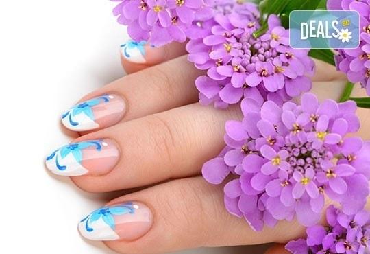 Поглезете ръцете си с класически или френски маникюр с лак OPI/Morgan Taylor и 2 декорации в салон Мария! - Снимка 1