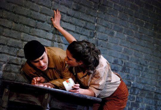 Гледайте великолепната Силвия Лулчева в Любовна песен, на 01.12. 19ч, Младежки театър, камерна сцена - Снимка 2