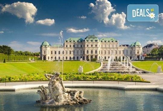 Предколедна екскурзия до Виена, Австрия! 3 нощувки, закуски, самолетен билет, обиколка на Виена и екскурзия до Шьонбрун! - Снимка 3