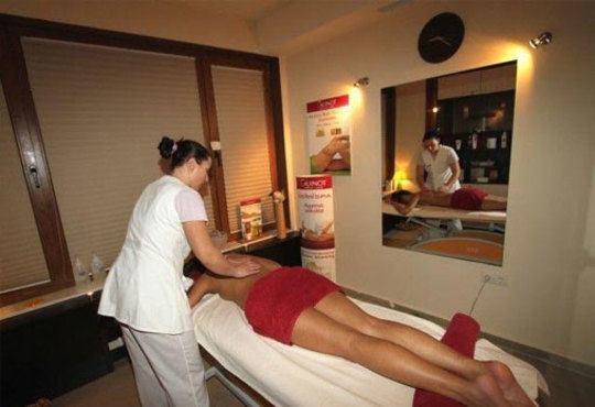 Възстaновете силите си със 75-минутен масаж по избор! Релаксирайте със сауна или парня баня в Sport City Vitosha - Снимка 4
