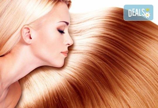 Трайно изправяне с кератин по технологията и с продуктите на Christian of Roma за всякакъв тип коса в салон Flowers! - Снимка 1