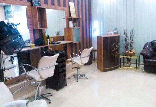 Мануално почистване на лице с продукти на медицинската козметика Glory в Зелен салон DIELS - Снимка 4