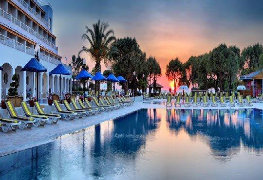 Посрещнете Нова година в Batihan Beach Resort 4*+, Кушадасъ, Турция! 4 нощувки, All Inclusive, възможност за транспорт! - Снимка 11