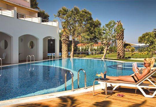 Посрещнете Нова година в Batihan Beach Resort 4*+, Кушадасъ, Турция! 4 нощувки, All Inclusive, възможност за транспорт! - Снимка 13