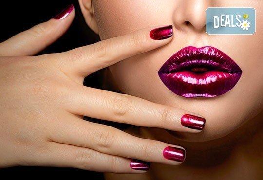 Изящни и красиви ръце! Лакиране в цвят по избор с лакове Cuccio или O.P.I. и две декорации, студио за красота La Coupe - Снимка 3