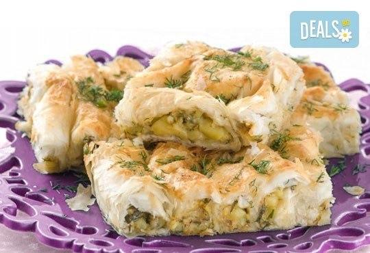Вкусен традиционен зелник от Работилница за вкусотии РАВИ! Хапнете 1 или 2 килограма зелник по домашна българска рецепта - Снимка 1