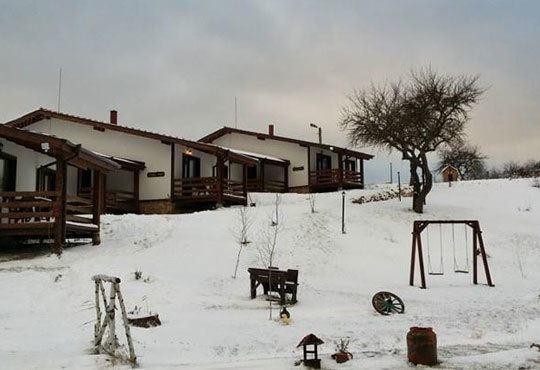 Посрещнете Коледа в комплекс Горочевци 3*, Трън! 2/3 нощувки със закуски и вечери, безплатно за дете до 7г.! - Снимка 1
