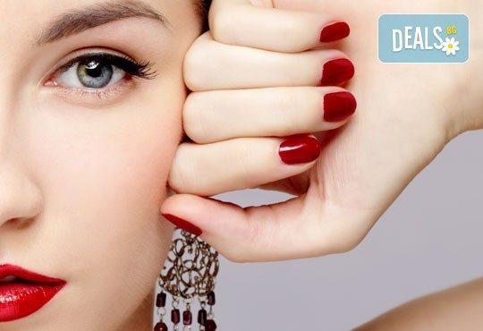 Впечатляващи нокти! Класически маникюр с гел лак Susie Eileen или с Gelish по избор в салон за красота Виктория! - Снимка 1