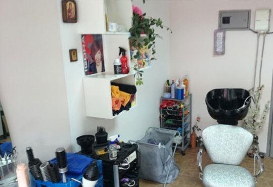 Терапия за коса по избор с високотехнологичен лазерен апарат, масажно измиване и оформяне на прическа в студио Ел! - Снимка 5