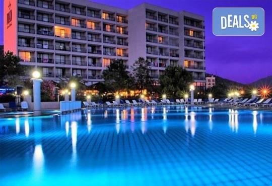 Посрещнете Нова година в Tusan Beach Resort 5*, Кушадасъ, Турция! 4 нощувки, All Inclusive, възможност за транспорт! - Снимка 1