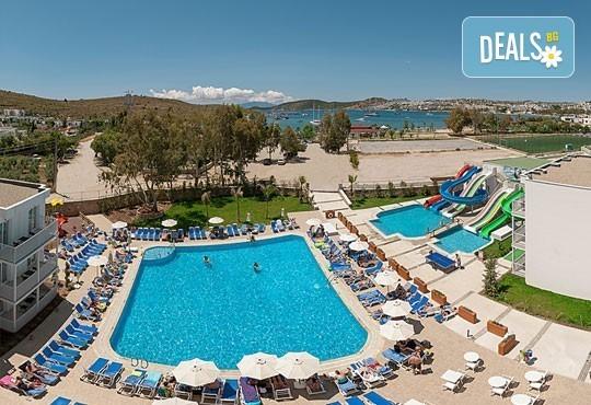 За Майските празници в Bodrum Beach Resort 4*, Бодрум, Турция! 5 нощувки на база All Inclusive, възможност за транспорт! - Снимка 9