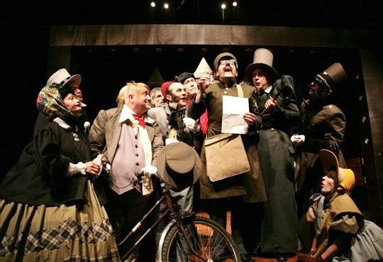 Гледайте Калин Врачански и Мария Сапунджиева в 100-то представление на Ревизор, Театър ''София'', на 09.12. от 19 ч. - Снимка 3
