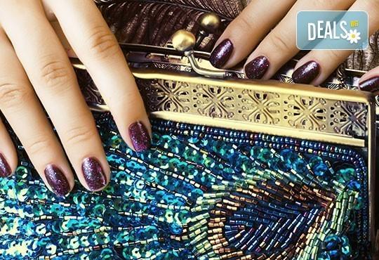 Маникюр + цвят от палитрата на O.P.I. или L'Oreal и 2 декорации на неустоима цена от Кабинет по маникюр и педикюр - Снимка 2
