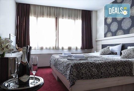 За Нова година до Белград, Сърбия! 3 нощувки със закуски, галавечеря в Hotel Garni City Code Vizura 4* и транспорт - Снимка 5