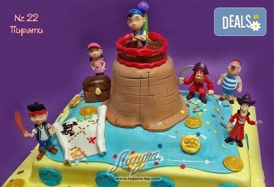 Детска торта с фигурка и пълнеж по избор + кутия, надпис и свещичка от Сладкарница Лагуна!Предплати сега! - Снимка 19