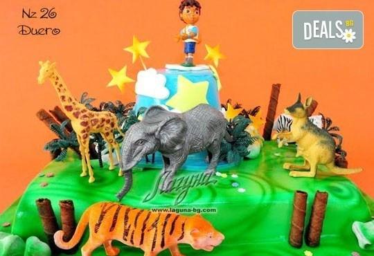 Детска торта с фигурка и пълнеж по избор + кутия, надпис и свещичка от Сладкарница Лагуна!Предплати сега! - Снимка 22