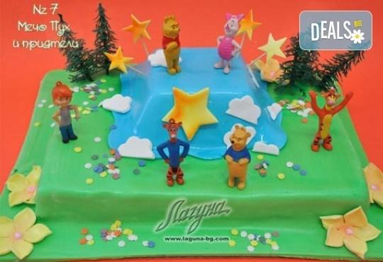 Детска торта с фигурка и пълнеж по избор + кутия, надпис и свещичка от Сладкарница Лагуна!Предплати сега! - Снимка 6