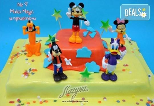 Детска торта с фигурка и пълнеж по избор + кутия, надпис и свещичка от Сладкарница Лагуна!Предплати сега! - Снимка 8