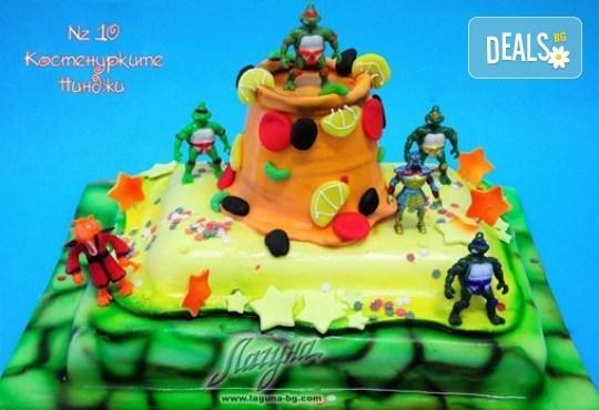 Детска торта с фигурка и пълнеж по избор + кутия, надпис и свещичка от Сладкарница Лагуна!Предплати сега! - Снимка 9