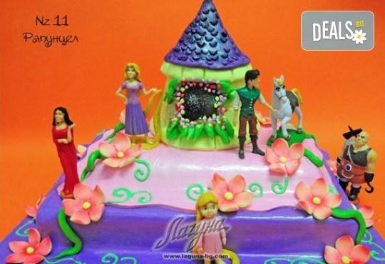Детска торта с фигурка и пълнеж по избор + кутия, надпис и свещичка от Сладкарница Лагуна!Предплати сега! - Снимка 10