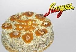 Френска селска торта с медени блатове и орехи за 14лв от Виенски салон Лагуна