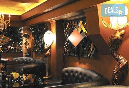Tорта по избор от галерията със снимки с безплатни свещички, надпис и кутия от Виенски салон Лагуна! Предплати - Снимка 12