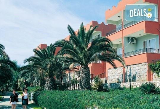 Майски празници в Pigale Beach Resort 3*, Кушадасъ, Турция! 5 нощувки на база All Inclusive, възможност за транспорт! - Снимка 1