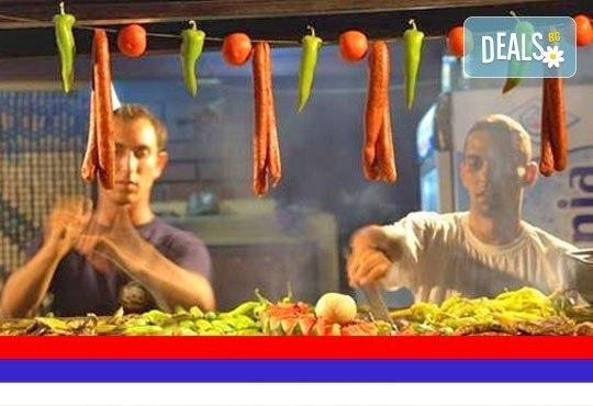 Посетете кулинарния фестивал на Пеглената колбасица в Пирот, Сърбия ! Еднодневна екскурзия, транспорт и екскурзовод! - Снимка 1