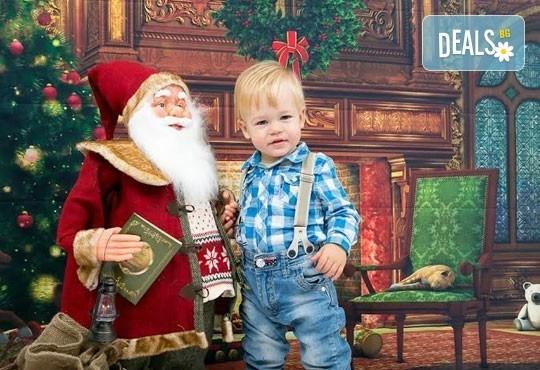 Професионална детска/семейна фотосесия с възможност за Коледна тематика и богат реквизит от Ivan Lambrev Photography - Снимка 14